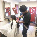 本日のサロンワークはヘアドネーションから始まりました。